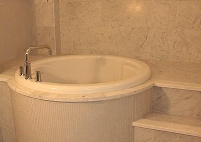 Japanese Soaker Bath
